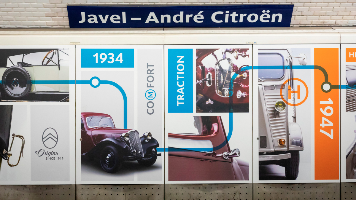 Fresque station métro Javel-Citroën © Designed by CURIUS