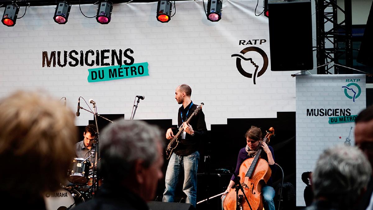 Scène des Musiciens du Métro - Designed by Curius